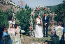Регистрация брака в горах. Крым. Ведущий на церемонию.